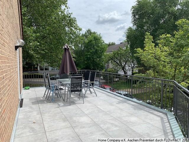 Aachen-Laurensberg, möblierte 3 - Zimmerwohnung mit Terrasse