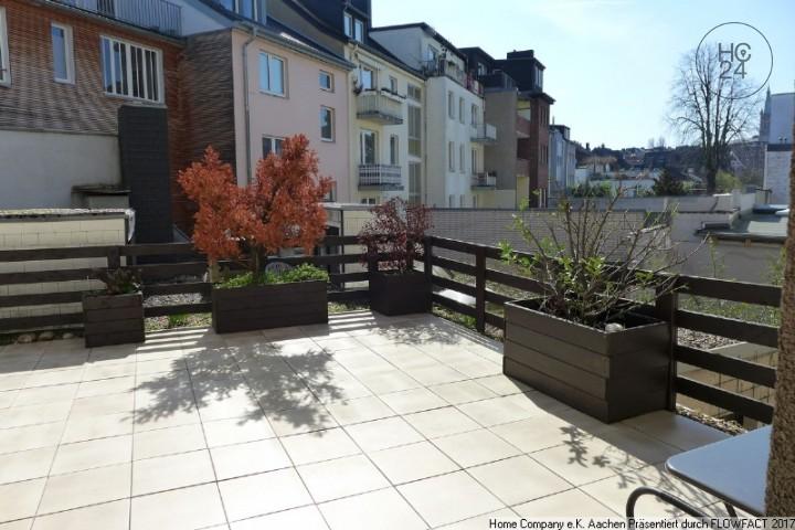 Aachen-Domnähe, möblierte 2 Zimmerwohnung mit Terrasse und Balkon