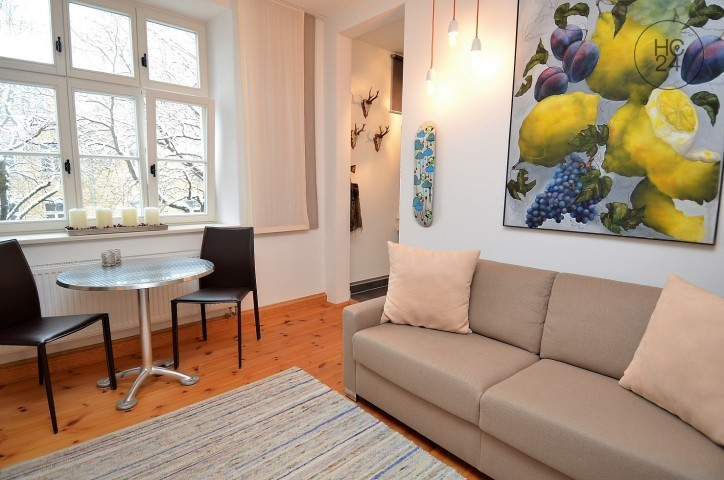 beautiful furnished flat in a quiet location in Augsburg with balcony