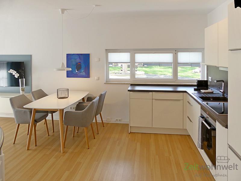Arnstadt, Erstbezug in luxusriöses Maisonette-Apartment mit Terrasse, Full-Service inkl, vollmöblier