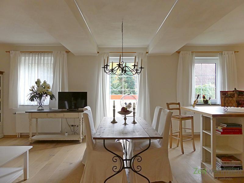 Hellerau/Wilschdorf, genial möblierte 2-Zimmer Wohnung mit 2 Bädern und Full-Service inklusive, Saun