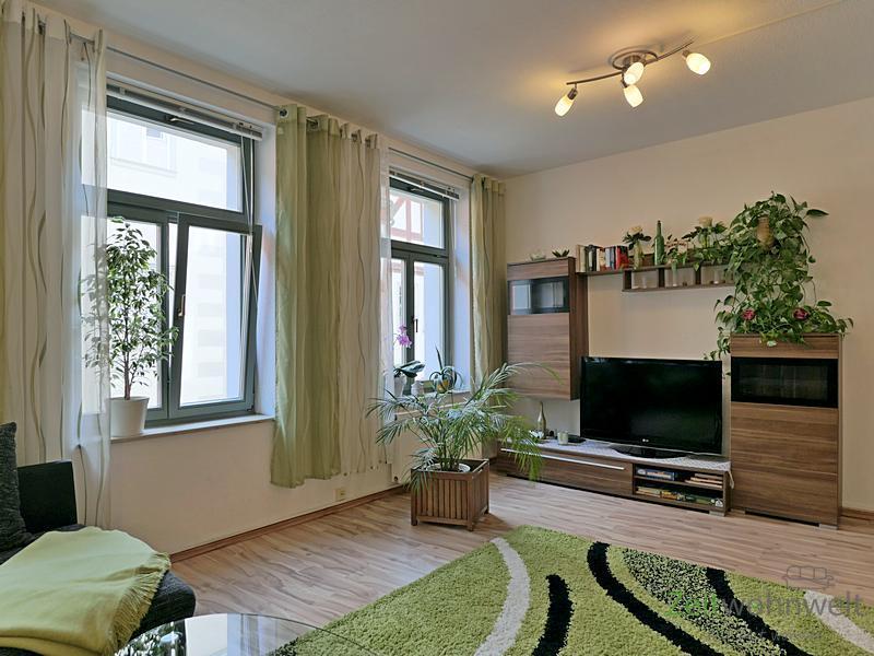 Altstadt, möbliertes 2-Zimmer-Apartment mit Gäste-WC direkt in der City, TG-Stellplatz, WLAN, Servic