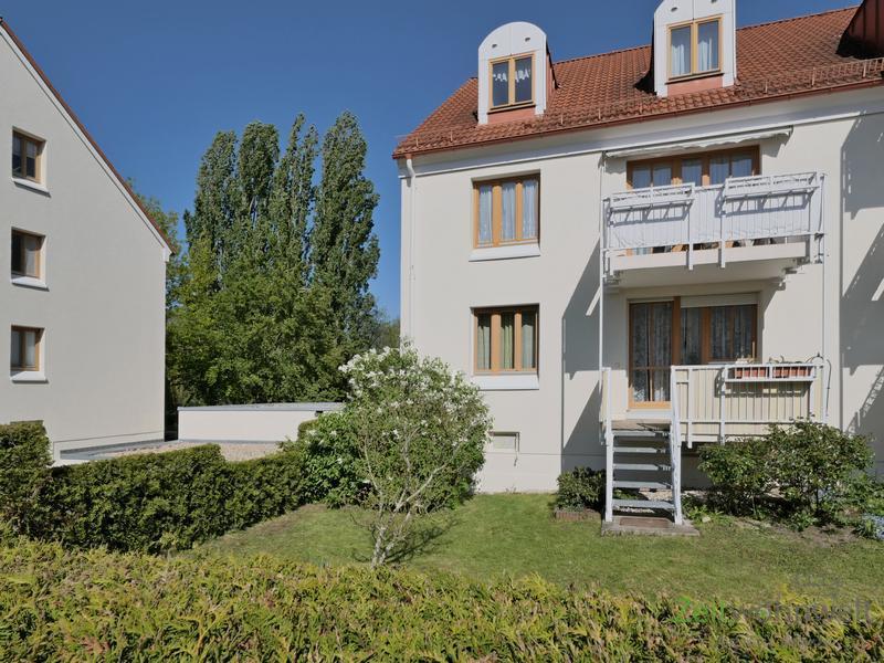 Coschütz/Gittersee, möblierte 3-Zimmer-Wohnung mit 2 Bädern, Balkon, eigenem Garten und Tiefgarage