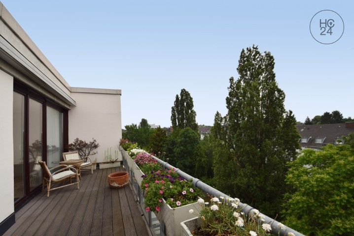 Over the roofs of Cologne - 4 rooms with parking space and internet in Sülz