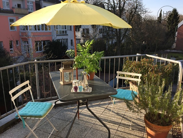 Exclusive duplex with roof terrace and garage in Cologne-Marienburg