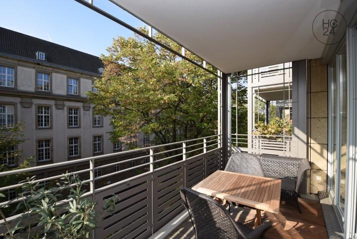 Wunderbares Wohnambiente mit 2 Balkonen, 2 Bädern und TG-Platz im Agnesviertel