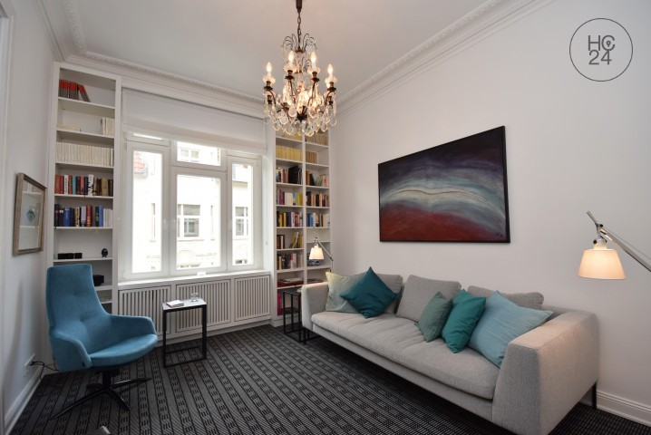3-room apartment in an old building with balcony and 2 sleeping rooms