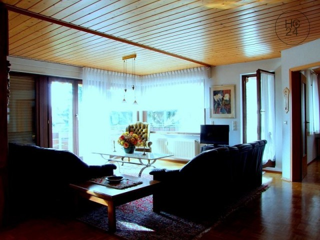 Großzügiges 5-Zimmer Serviced Apartment mit Südwestterrasse in Schriesheim