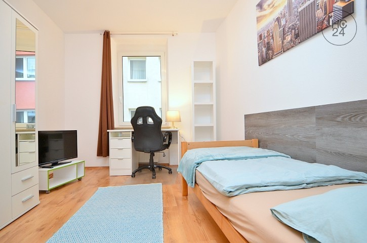 Beautifully Furnished Room With Wi Fi And Balcony Nuernberg Downtown    Picture 1