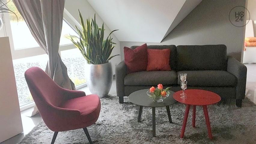 Exklusiv möbliertes Apartment mit WLAN, Carport, Balkon in Neumarkt