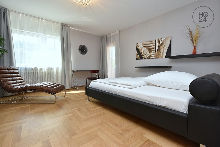 Large And Beautifully Furnished Room In Shared Apartment In Böblingen    Picture 1