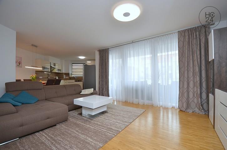 Schön möblierte Neubauwohnung mit Balkon und Stellplatz im Zentrum von Böblingen