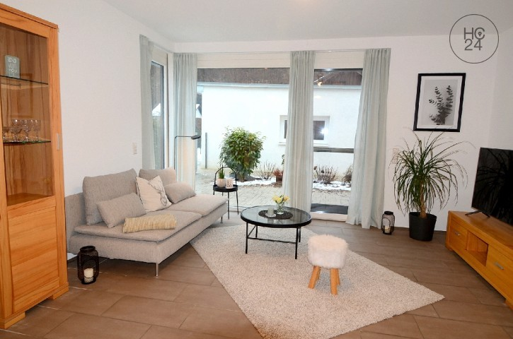 Modern, bright 2 room flat with outdoor seating area in a quiet location in Lörrach