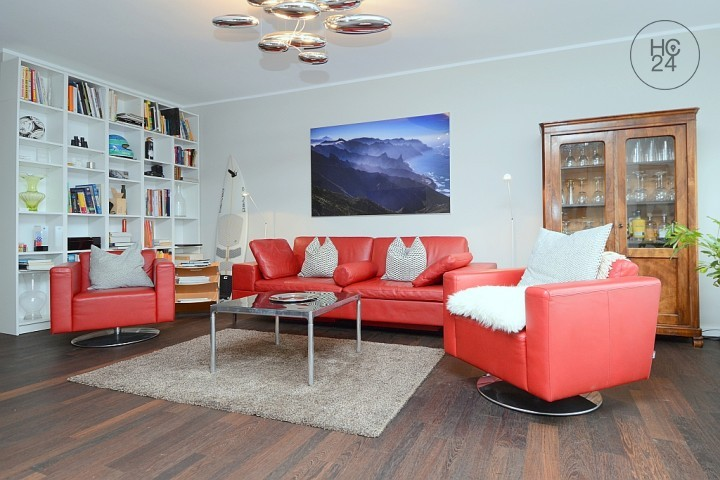 Exclusively located, furnished 4-room apartment with 2 balconies and internet in Wiesbaden