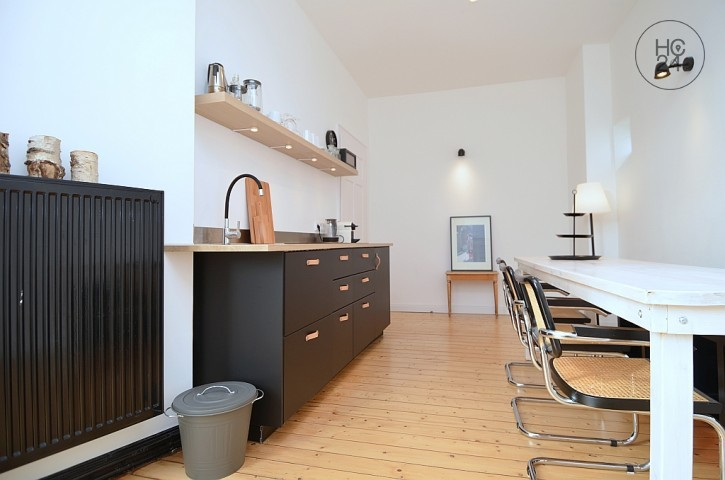 Wonderful furnished 1.5 room apartment with internet and balcony in Wiesbaden